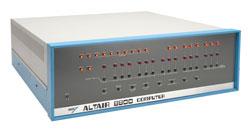 Первый персональный компьютер Altair 8800